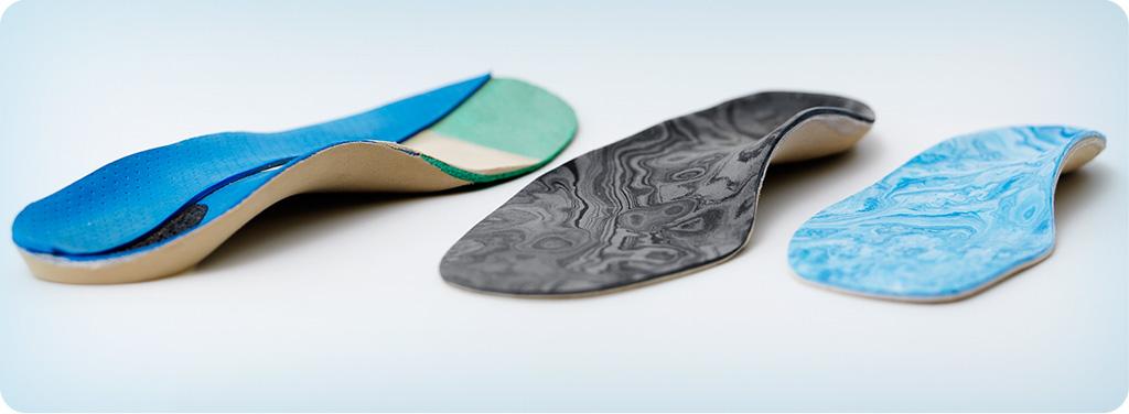 Orthèses, prothèses, semelles, talonnettes d'élévation sur mesure, moulons en orhoplastie, appareillage pour protection ou correction des orteils et divers produits orthopédiques
